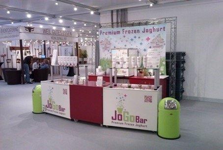 Messe- Verkaufsstand als Variante B von JoGoBar Premium Frozen Joghurt